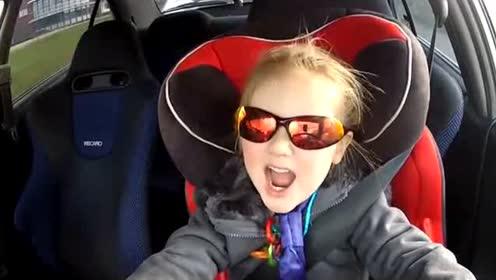 8岁女童瞬间成网红 飚车技术让老司机也自愧不如