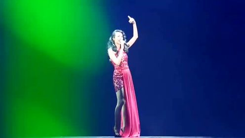 孙燕姿和莫文蔚合唱《爱》《忽然之间》两位女神合唱太好听了
