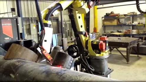机械臂在大粗管子上焊接一块管子