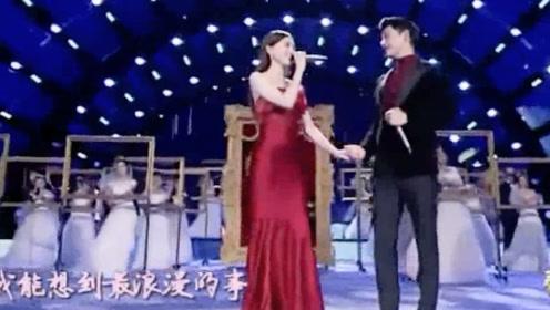 唐嫣与罗晋同唱《最浪漫的事》感觉两人在一起的日子老幸福了!