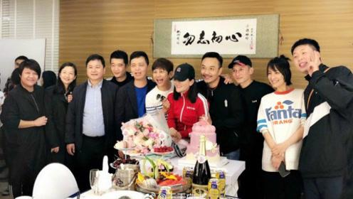 谢娜复出录制《快本》 不仅公布女儿名字还读了张杰给她写的情信