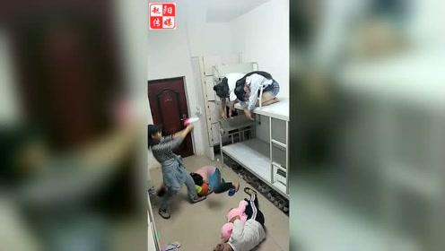 魔性98k美女们在宿舍真会玩!