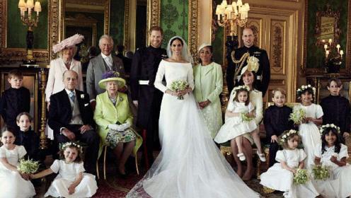 """英皇室公布哈里王子夫妇""""全家福"""",幸福满满"""