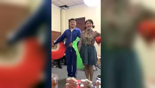 宋晓峰不仅会吟诗,唱歌跳舞也是样样行!