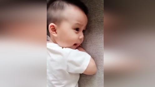 宝宝第一次叫爸爸,心都融化了