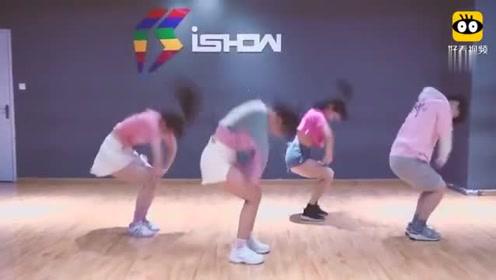 最近很火的一段舞, 这些小姐姐跳的这版本真好看