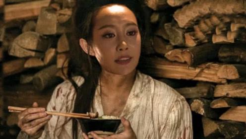 《如懿传》魏嬿婉被海兰吓成疯妇,连吃10天狗食,亲儿子都不肯认她