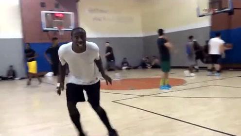看美国街球大神的篮球技巧 冠军都是这样打球的