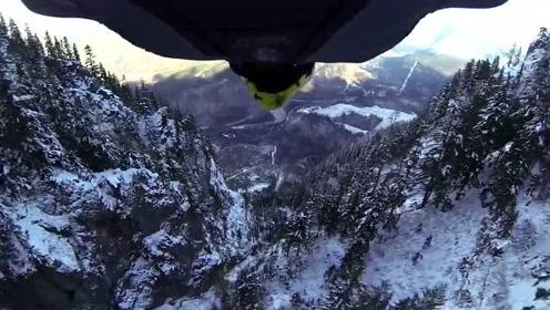 翼装达人爬上雪山一跃而下,沿途的雪景真的惊艳到了众人!