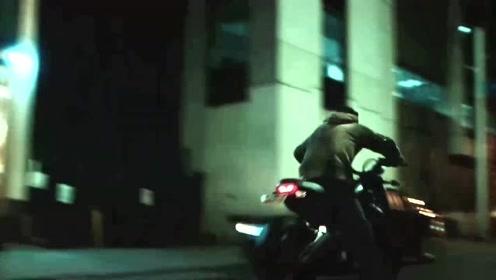 毒液的这个摩托车过弯镜头,当真是有种《头文字D》的感觉啊!