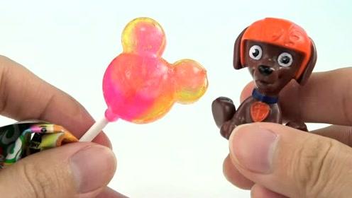 《橙子乐园在日本》汪汪队吃到黄色棒棒糖发现是小熊维尼,好可爱