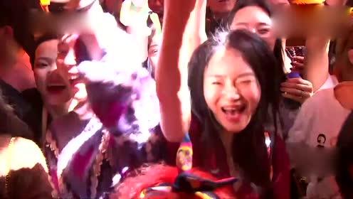 """跨年:张杰演唱最新单曲《竹》,独一无二的""""电音竹"""""""