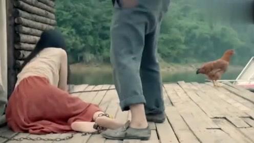无法生育的哑女常常遭受家暴,看上去真的很可怜!