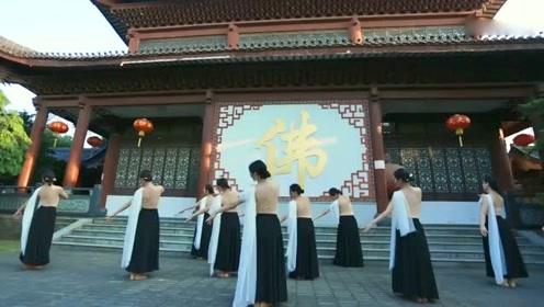 长绸飞扬,不一样的中国舞蹈