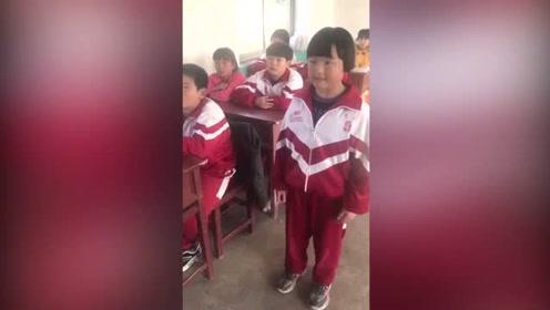 小学生翻唱《东西》,完全不需要声卡的修饰,简直太好听了!