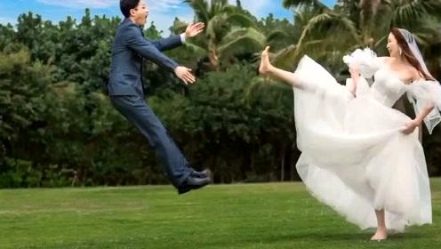 看来看去,还是喜欢这样的婚纱照,既简单有趣,又唯美不做作