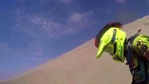达喀尔拉力赛:意大利车手造型独特的帽子,极富有喜感