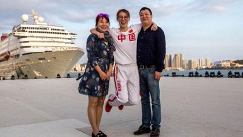 傅爸爸节目中透露,傅园慧其实是溶血儿,父母特别宠爱她!