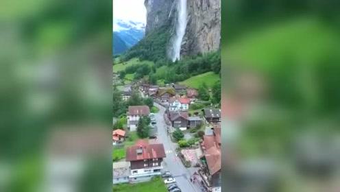 航拍瑞士最美小镇:因特拉肯