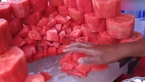 印度的纯手工西瓜汁!感觉在喝他的洗手水!