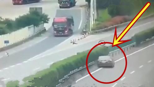 最意外的车祸,要不是监控拍下,都不敢相信这一切
