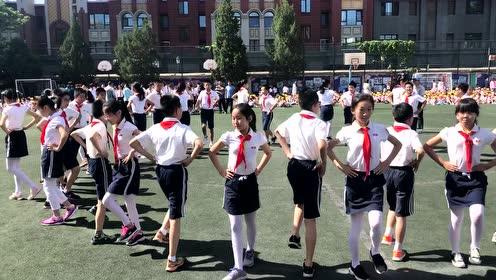 六一儿童节集体舞表扬1