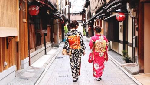 在日本女孩穿的和服后有个枕头,这究竟有什么用处呢?