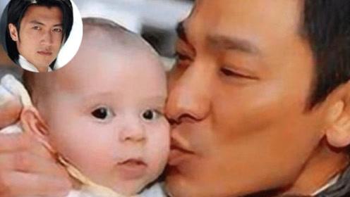 曾经被刘德华抱过的一个婴儿,如今已成为香港巨星