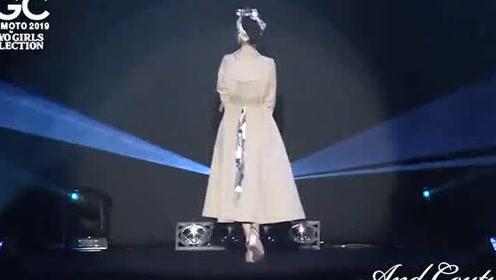2019最新 日本东京时尚秀 第一个和后边穿风衣的气质特别好