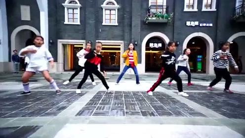 魔性海草舞MV,小朋友跳的,好酷好可爱