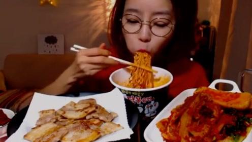 日本人说乌冬面最好,韩国人独爱火鸡面,中国吃货:数不过来