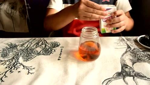 60秒学会奶茶新技能,这么喝才过瘾!