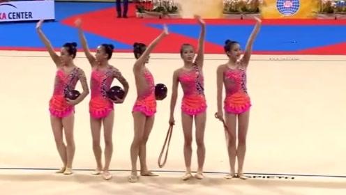 朝鲜队集体技术体操精彩表演,舞姿轻盈优美,朝鲜姑娘人更美!