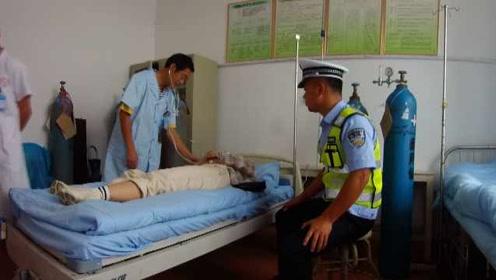 吓懵!女子无证驾驶被查当场吓晕,送医途中民警一路安慰