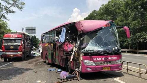 突发!海南环岛高速大客车与货车相撞,致1死多伤