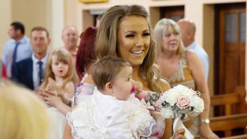 英国一对夫妇在女儿受洗礼上办婚礼 亲朋好友惊喜不已