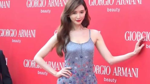 林志玲出席活动身材完美 自曝未怀孕