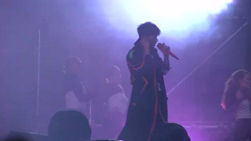 """张杰""""未·LIVE""""巡回演唱会北京站 《Perfume》"""