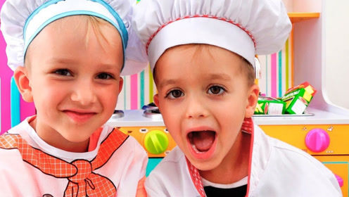 兄弟俩制作美食,卖给妈妈和姐姐赚零花钱,把隔壁小孩都馋哭了!