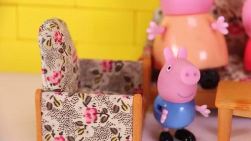 猪爸爸带回来的蛋糕被小猪佩奇的弟弟乔治全都吃掉了 玩具故事