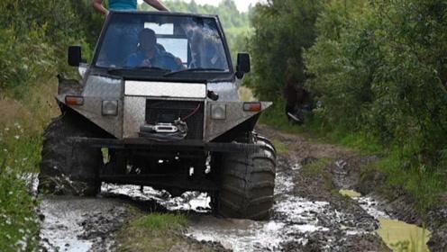"""硬核敬业!""""乡村邮差""""驾驶巨轮卡车 穿越森林送包裹"""