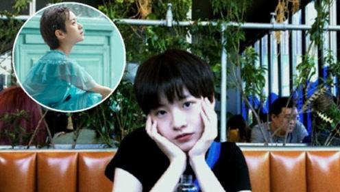 《小欢喜》里的李庚希蓝色纱裙配踝靴 短发造型更惊艳