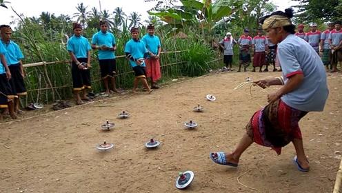"""菲律宾举办""""陀螺大赛"""",全村人报名参加,第一名能牵走一头牛!"""