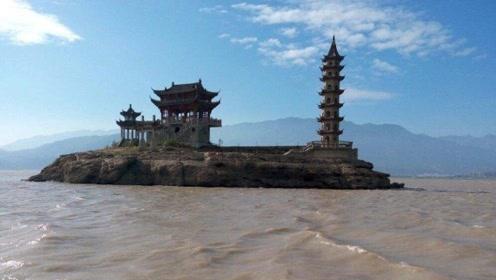 """江西神奇的""""水上宫殿"""",湖面漂浮千年"""