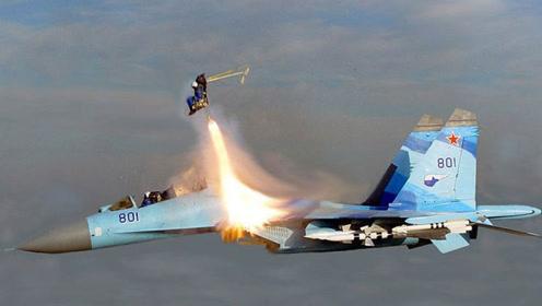 全球最手残乘客,美军军官坐战机不老实,乱摸一通把自己弹射出舱