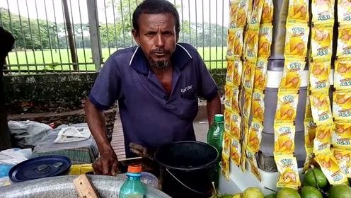 印度路边的特色饮品,新鲜柠檬挤汁调配,用恒河水冲的你敢喝吗?