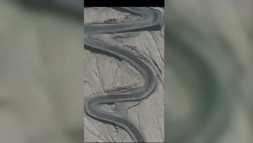 """这绝对是一条""""巨蟒""""!蜿蜒208个弯的盘山公路你见过吗?"""