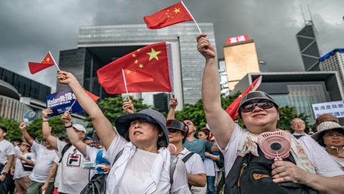 """""""美国人""""来中国认祖归宗,遭遇海关拒绝,你们还有脸回来"""