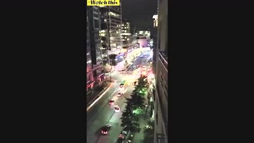 美国弗吉尼亚州阿灵顿县一家电影院发生枪击案 直升机现场盘旋