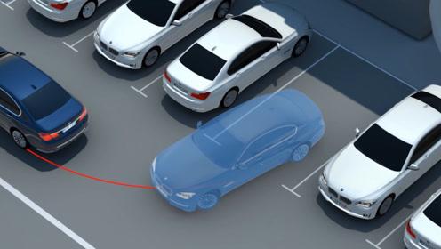 """为何停车时把车头朝外?老司机都懂:为了规避这3大""""风险""""!"""